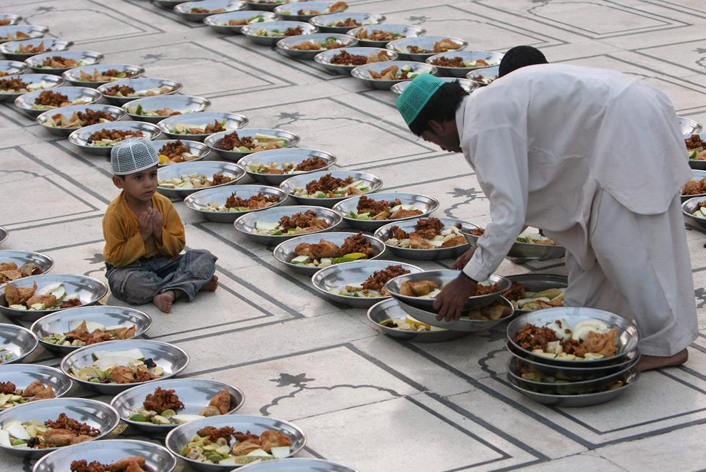 Рамадан у мусульман что нельзя делать
