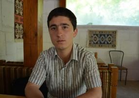 Кримськотатарський правозахисник: Предків називали «зрадниками», нас ‒ «терористами»