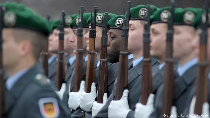Центральна рада мусульман Німеччини вимагає запровадження в армії країни військових імамів.