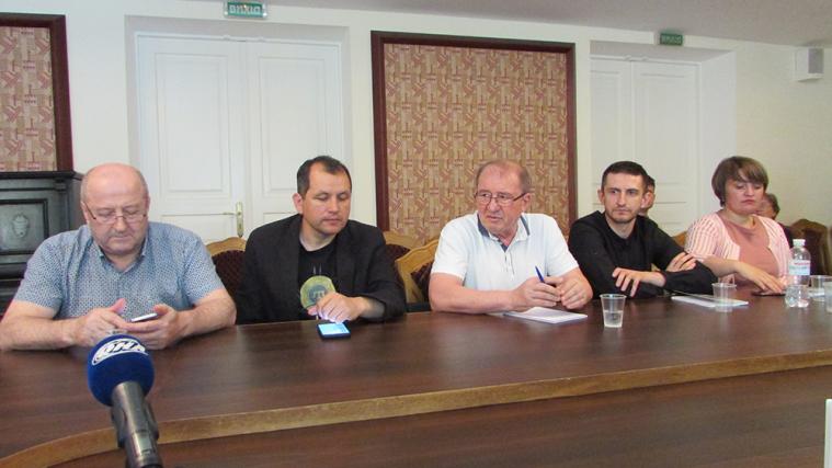 Круглий стіл у Музеї Грушевського до 100-річчя відновлення діяльності першого Курултаю