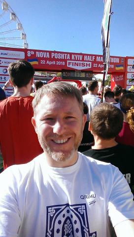 Духовний лідер українських мусульман взяв участь у марафоні заради допомоги кримськотатарській дівчині Севіль