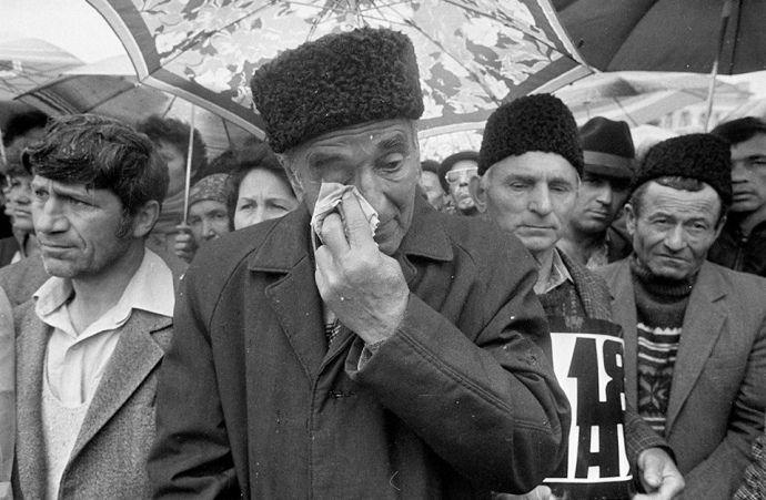 15 травня 1990 року ухвалено програму повернення кримських татар до Криму