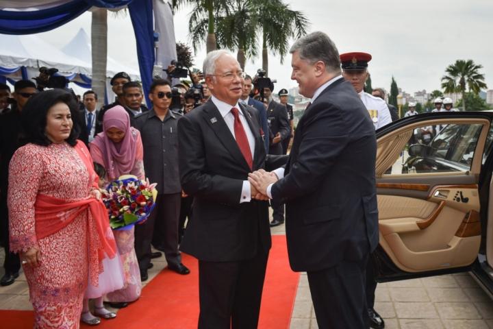 Закон про ратифікацію договорів з Малайзією щодо екстрадиції правопорушників підписаний Президентом України