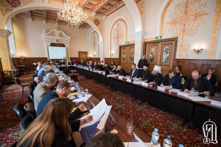 Потрібно взяти до уваги потреби мусульман, — учасники круглого столу «Релігія і влада в Україні»