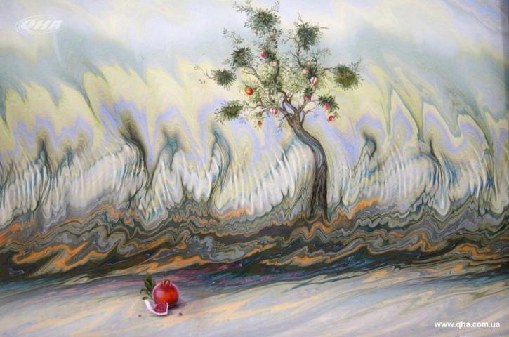 Турецкий художник Хикмет Барутчугиль представил в Киеве выставку своих работ в технике эбру