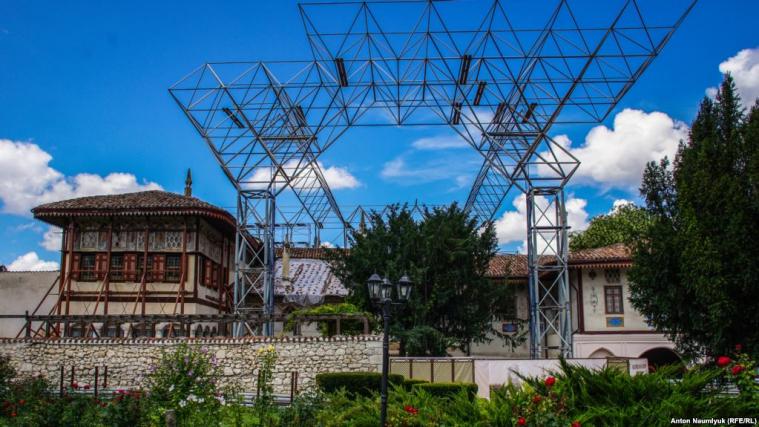 «Реставрація» Ханського палацу знищує його історичну та культурну автентичність
