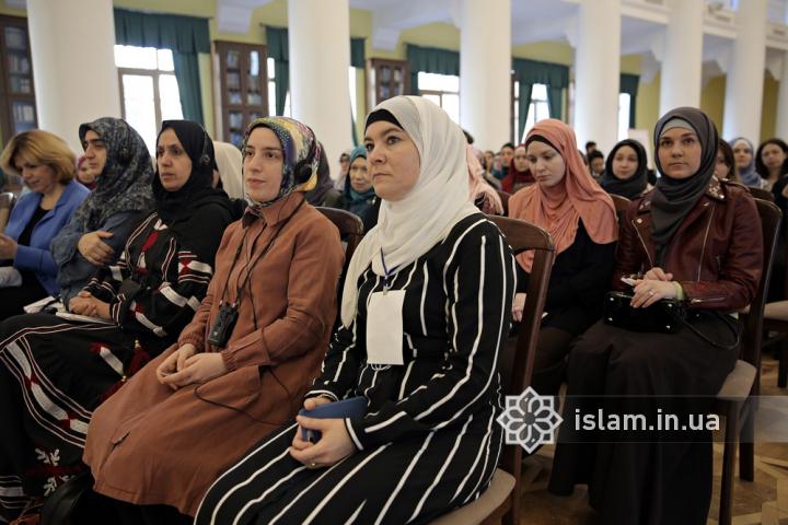 Сінан аль-Ахмад: «Сестро, не кажи, що ти всього лише жінка!»
