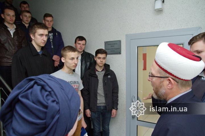 В Ислам переходят не c какой-то другой веры, а из-за неверия, — муфтий прочитал лекцию студентам-богословам