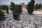 Несмотря на преграды, джума-намаз в аль-Аксе осуществили 200 тысяч мусульман