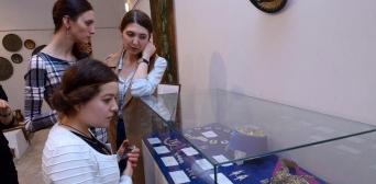 Унікальна колекція предметів кримськотатарського мистецтва представлена у Києві