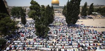Попри перепони джума-намаз у аль-Аксі здійснили 200 тисяч мусульман