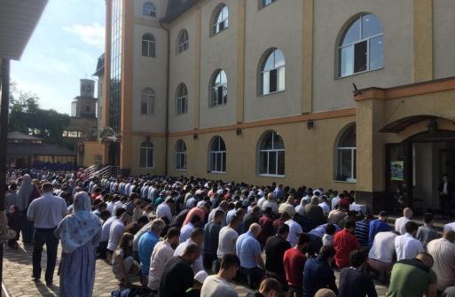 Мусульмане Украины празднуют Ид аль-Фитр