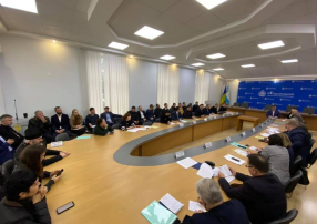 Ukrainian Parliament Human Rights Committee commenced its activity by representing meeting in the Kherson region of Ukraine.