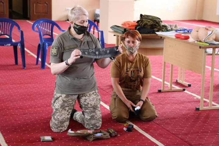 ©Руслан Руслан Мирошниченко/фейсбук: 13.07.2020, ИКЦ г. Киев. Тренинг по оказанию первой медпомощи, организованный СИМИС Командования СВ ВСУ и «Eleos-Украина» для мусульман