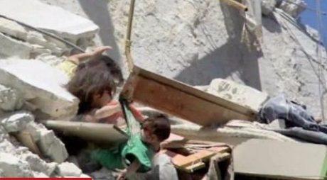 Башар аль-Шейх: 5-річна Ріхам утримує від падіння з уламків будинку свою 7-місячну сестру