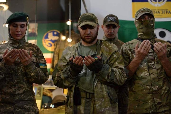 У Києві відкрили пам'ятний стенд загиблому на Донбасі чеченському генералу