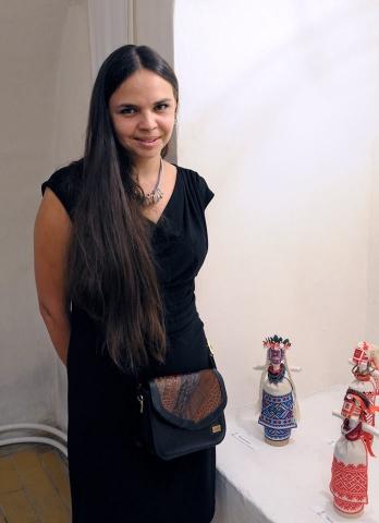 Крымскотатарская вышивка золотом — самая сложная, — мастерицы-украинки