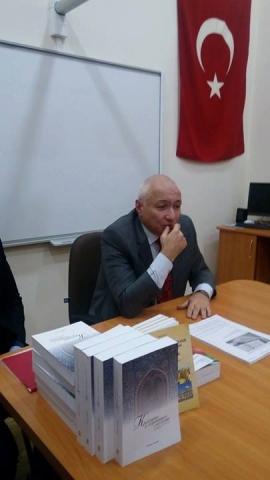 """«Краса і гармонія в ісламі» не """"відпускала"""" львівських студентів"""