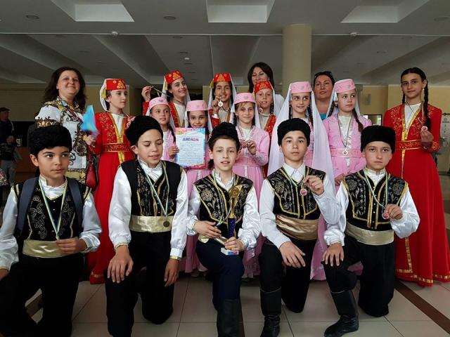 Перше місце на фестивалі «Лавина талантiв» — у Qirim ailesi