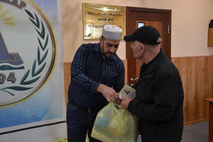 215 Kharkiv Muslim Families Received Grocery Packs In Early Ramadan