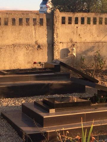 У Криму знову поглумилися над могилами мусульман