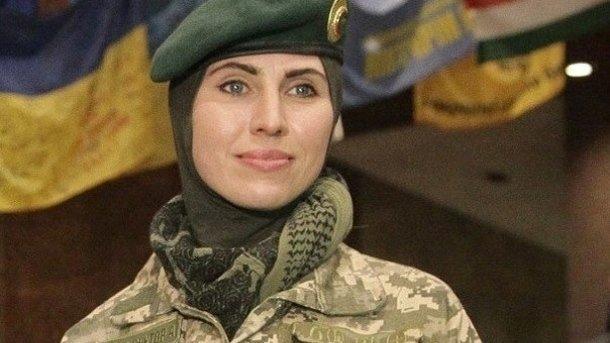 Аміна Окуєва склала іспити на лейтенанта ПДВ ЗСУ