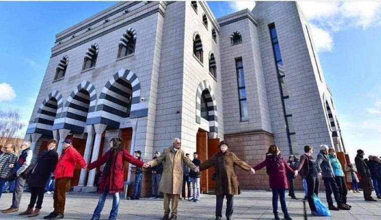 Світ вшановує пам'ять жертв теракту в мечеті у Крайстчерчі