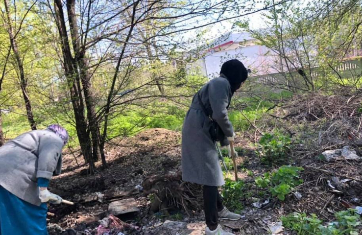 Environment is Amanah, and Removing Trash from Road is Sadaqah: Muslims Joined Cleanups