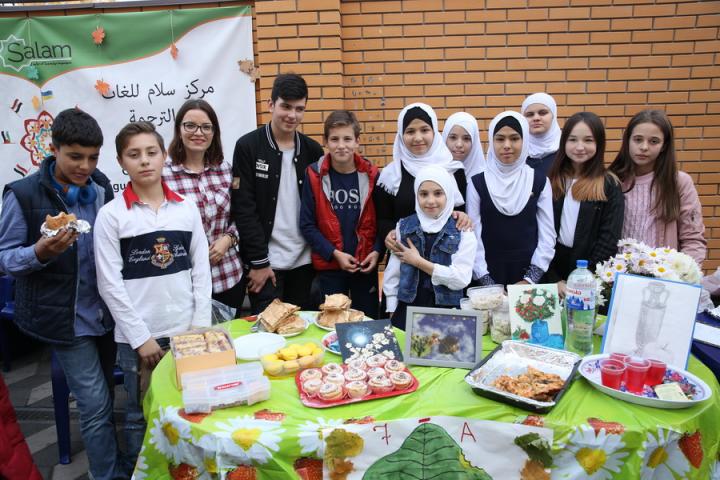 Учні гімназії «Наше майбутнє» провели черговий добродійний ярмарок
