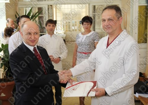 Турция помогает украинским медикам аппаратурой