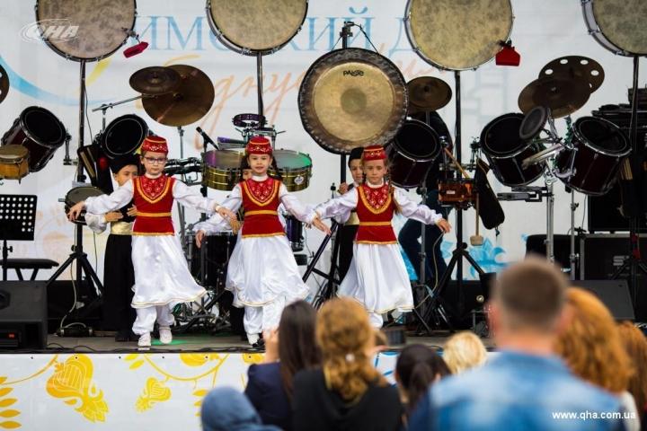 «Кримський дім об'єднує серця»: кримські татари відзначили День незалежності України
