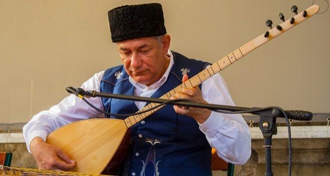 Джеміль Каріков видав свою семирічну працю — хрестоматію «Qırımnın yerli muzıkası»