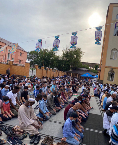 SOCIAL DISTANCING, MASKS AND SANITIZERS: SPECIFICS OF EID AL-ADHA PRAYER IN 2020
