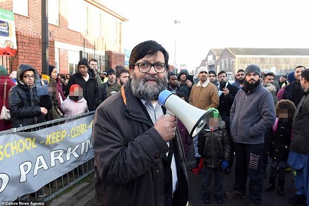 Британские мусульмане протестуют против уроков ЛГБТ в школах Бирмингема