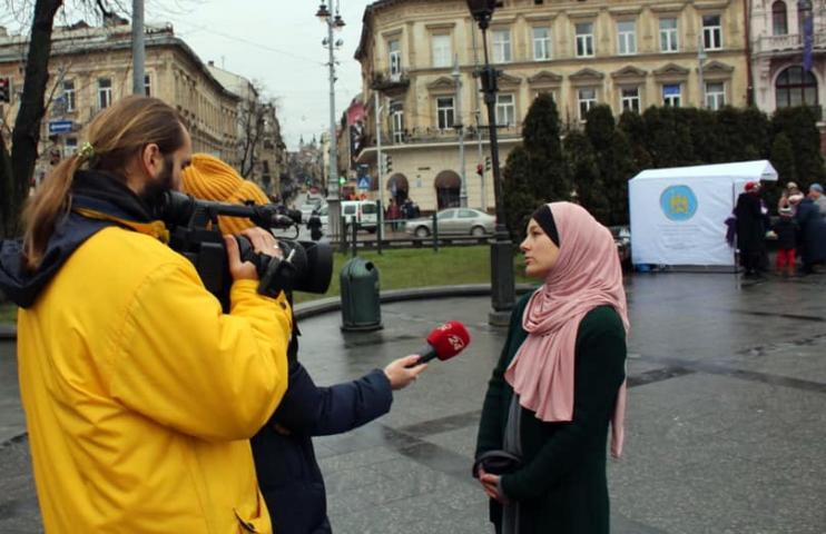Як львів'ян знайомили з традиційним жіночим убранням мусульманок