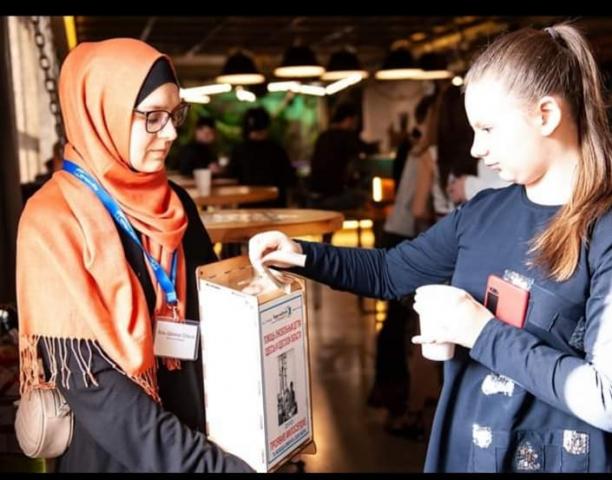 В Одессе мусульманки помогали собирать средства для аппарата жизнеобеспечения детей  с онкологическими заболеваниями