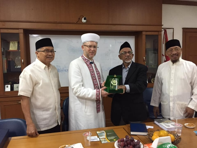 Фейсбук/Саід Ісмагілов: Муфтій ДУМУ «Умма» та очільник Dewan Da'wah Islamiyah Indonesia. 03.03.2020 р., Індонезія, Джакарта
