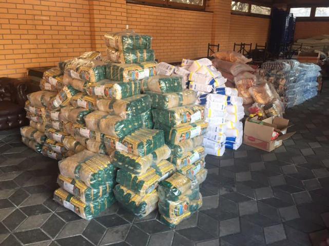 ©️ Саид Исмагилов/Фейсбук: 02.04.2020 г. Мусульмане-активисты формируют продуктовые наборы для помощи нуждающимся