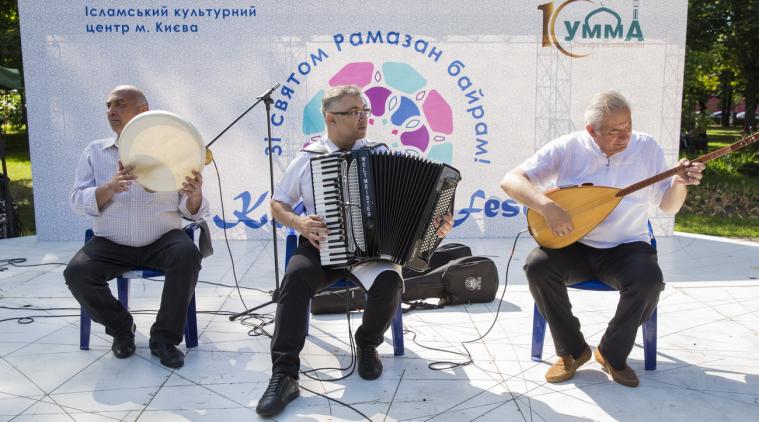 «Ми зробили вас народами та племенами, щоб ви знали одне одного…»: у центрі столиці України відбувся Kyiv East Fest
