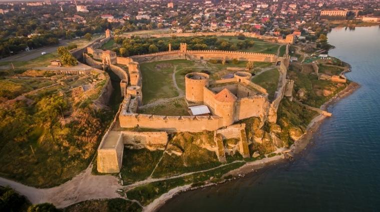 Аккерманській фортеці повернули плиту з тугрою Селіма III