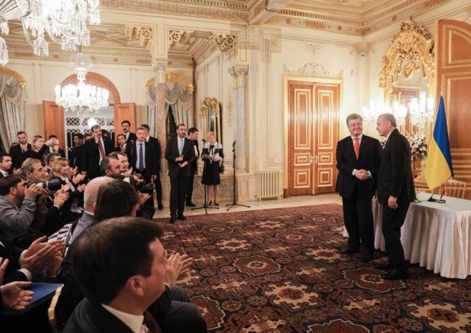 В особі Президента Ердогана ми маємо надійного друга і партнера для України, — Петро Порошенко