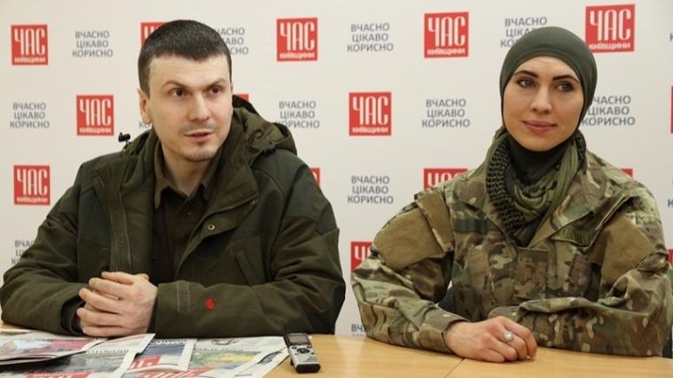 Автомобиль с Аминой и ее мужем — бойцом батальона им. Джохара Дудаева Адамом Осмаевым, был обстрелян.