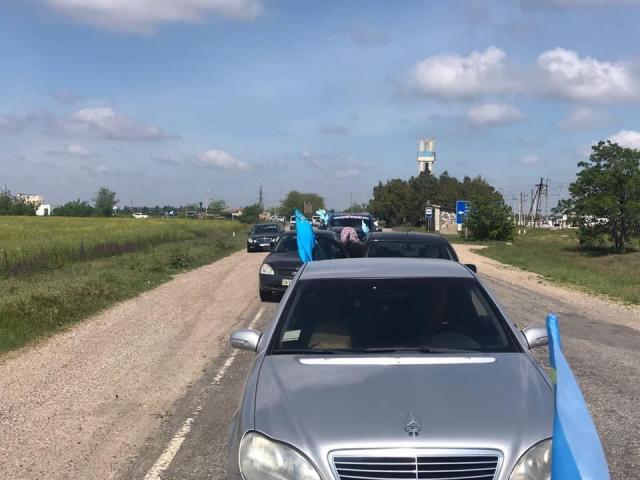Херсонський регіональний Меджліс 18 травня організував автопробіг, приурочений до Дня пам'яті жертв депортації кримських татар
