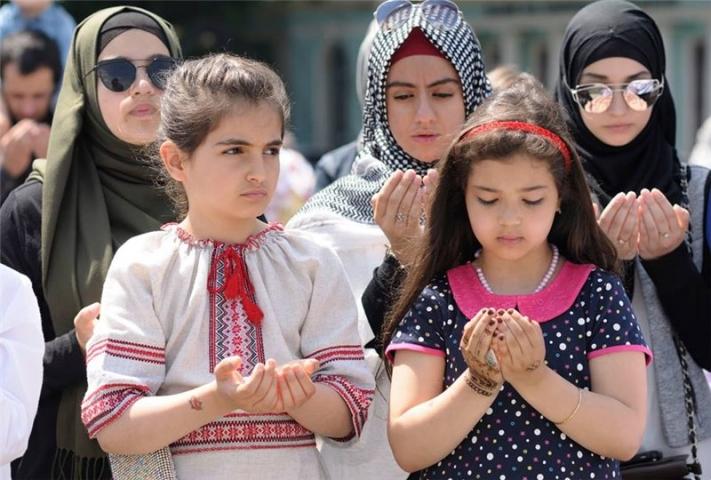 Мусульмани провели молитву за дітей-жертв військових агресій