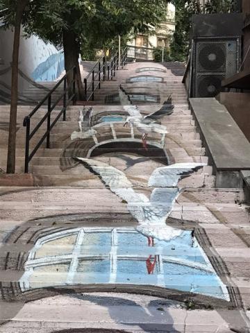 ©️News Turk: Оптичні ілюзії українського художника в Стамбулі