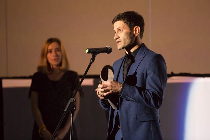 ©Телекритика: Наріман Алієв на врученні премії «Кіноколо»
