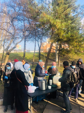 """Feed the Hungry"" in Kharkiv and Zaporizhzhia: the Lower the Temperature Outside, The More People Come"