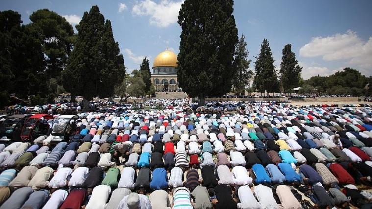 У мечеті аль-Акса на першу п'ятничну молитву Рамадана зібралося чверть мільйона палестинців