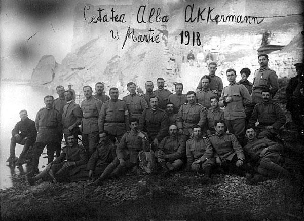 Румунські солдати біля стін Аккерманській фортеці