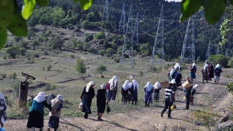 Meskhetian Turks, fleeing Ukraine War, Migrate to Turkey